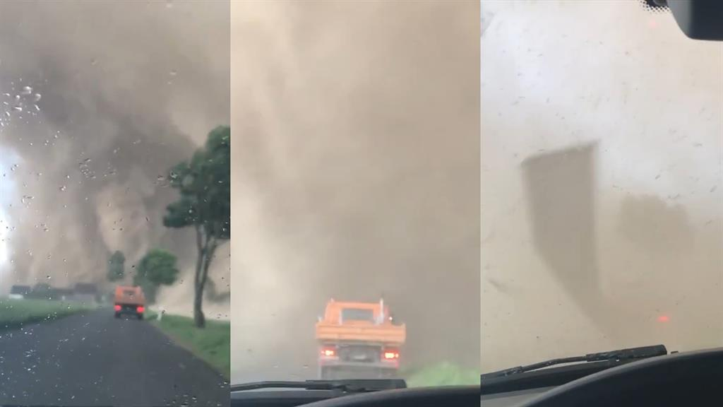 What It Looks Like When You Drive Into a Tornado