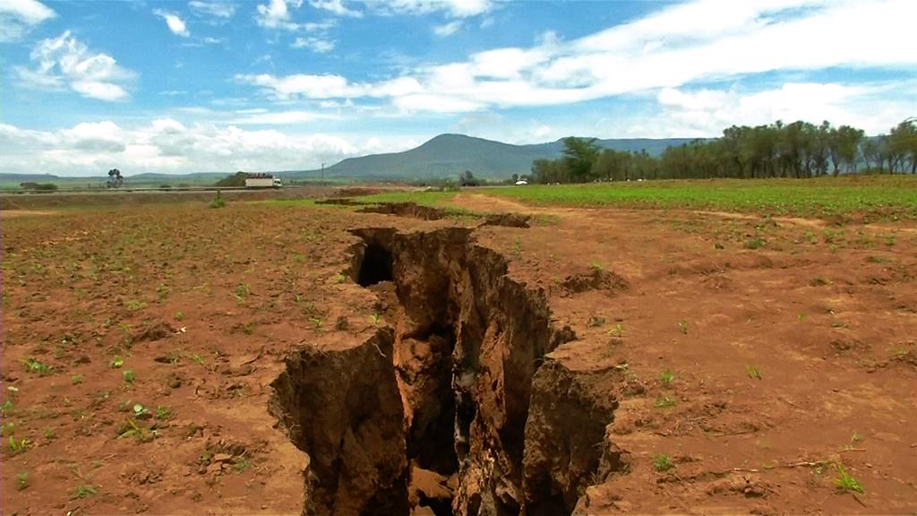 africa crack in earth 2018
