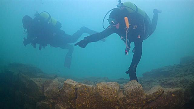 219736598a Ancient Ruins Discovered Under Lake in Turkey