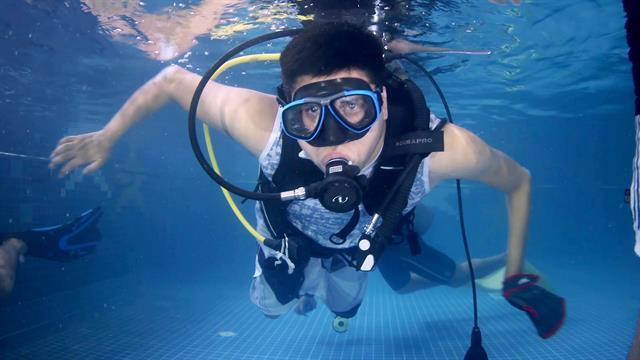 Watch: Paraplegic Man Finds Freedom Through Scuba Diving