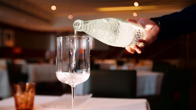 Meet the sommelier who tastes water instead of wine thumbnail